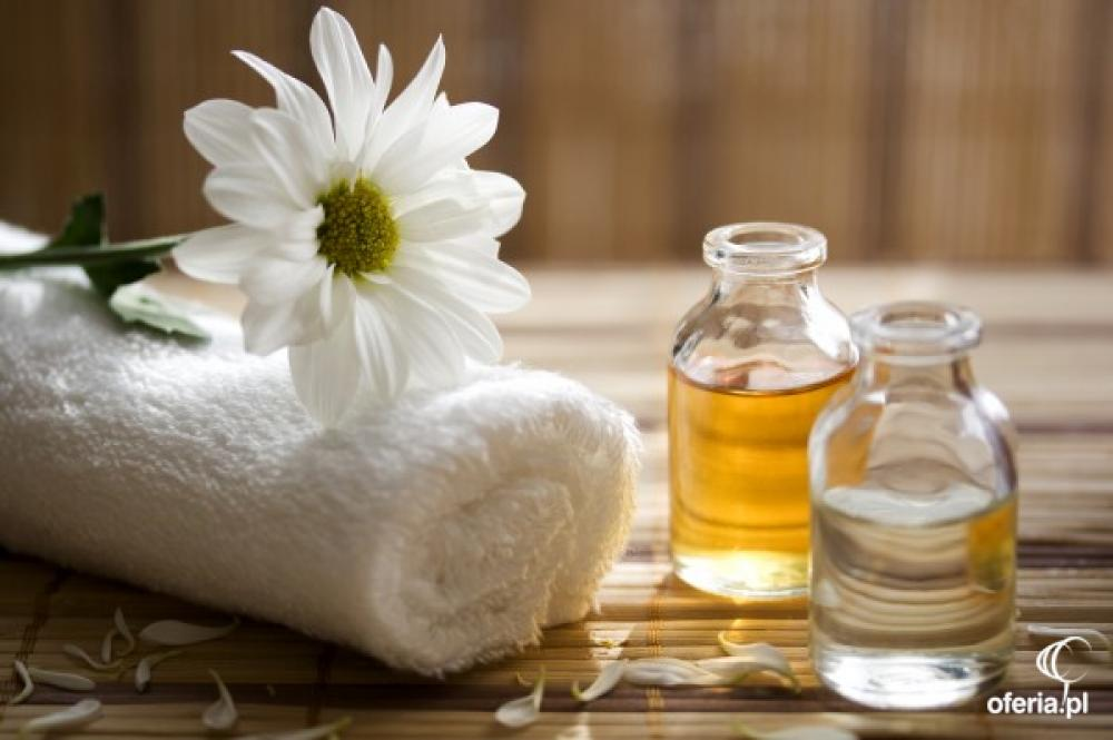 aromatherapy uses essential oils